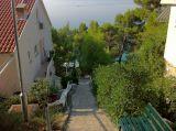 Villa_Maja_stairs_to_the_beach